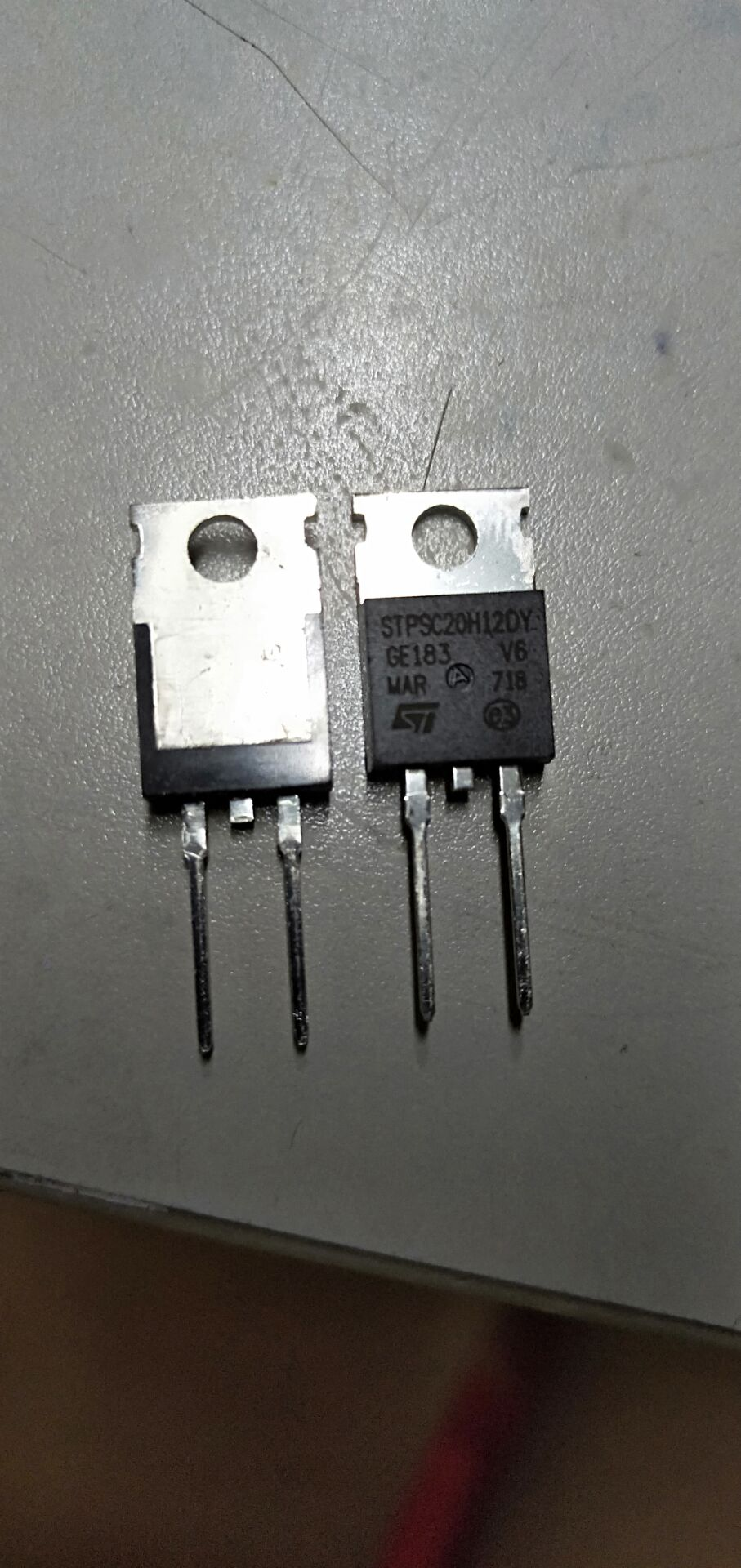 Varistors 30V 10A CLAMP